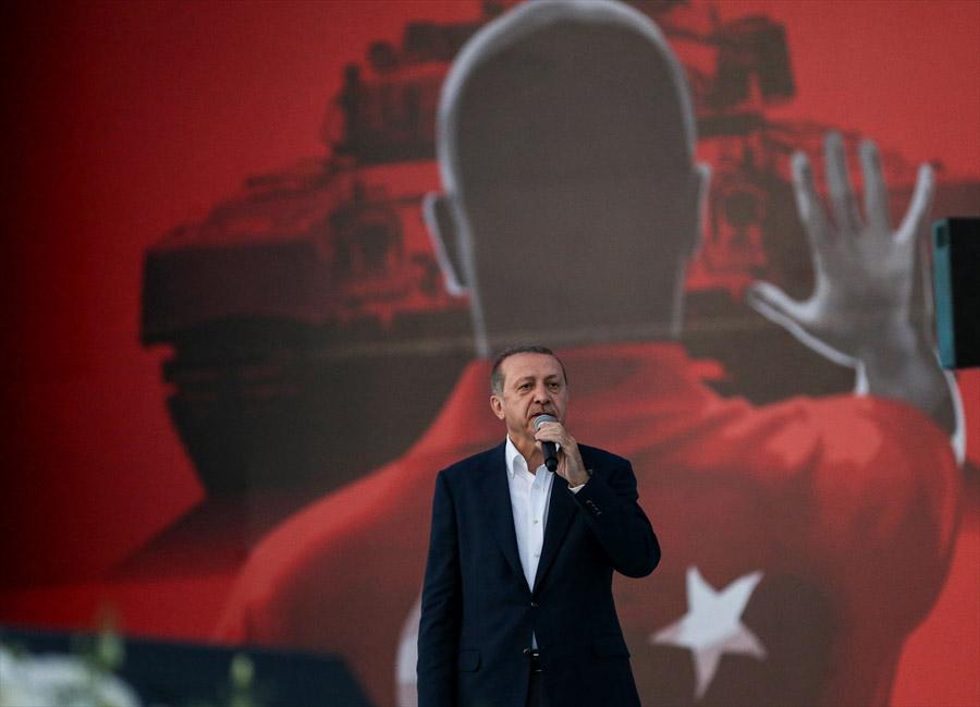 Cumhurbaşkanı Erdoğan meydanlara iniyor