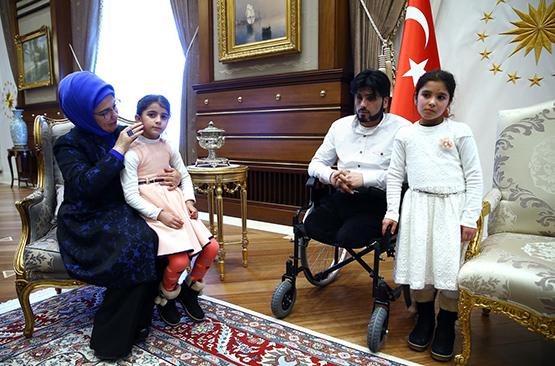 Erdoğan, Suriyeli Gözyaşı ve ailesini kabul etti