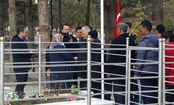 Başbakan Yıldırım'dan şehit Halisdemir'e dua