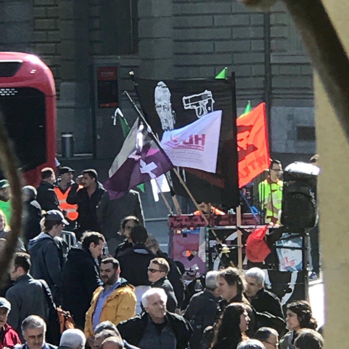 İsviçre'de 'Kill Erdoğan' pankartlı hayır kampanyası