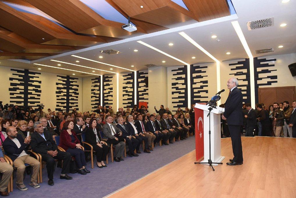Kılıçdaroğlu nikah şahidi oldu