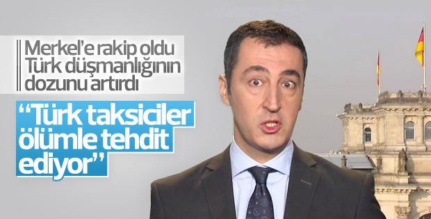 Almanya'da Cem Özdemir'e tepki gösteren Türk taksici