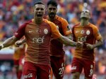 Galatasaray yönetimi Podolski'nin kalmasını istedi