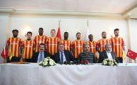 Kayserispor'dan imza şov! 9 futbolcu birden…