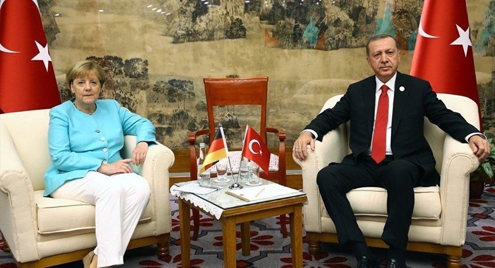 Merkel'in Türkiye'ye geliş tarihi belli oldu