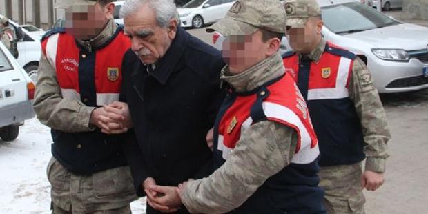 Ahmet Türk cezaevinde kötü muamele görmediğini söyledi