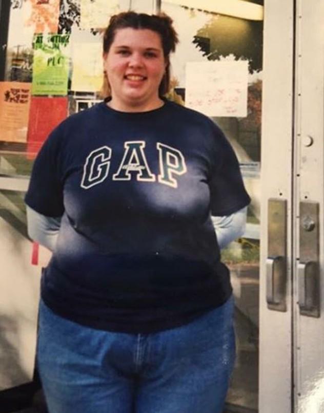 Ameliyat olmadan 60 kilo veren obez kadının inanılmaz değişimi!