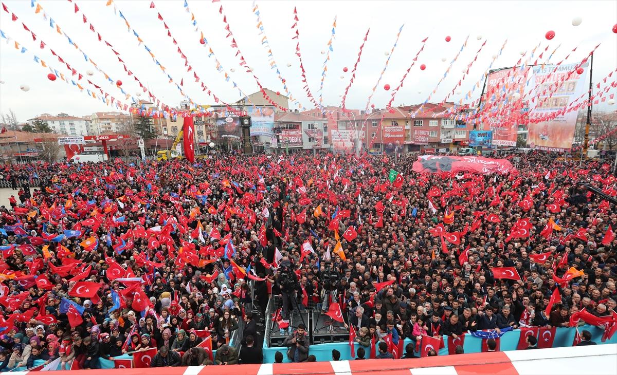 Başbakan'dan Hürriyet'in manşetine tepki
